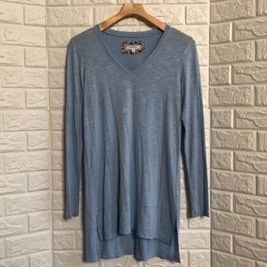 Pure + Good v-neck light blue soft tunic top